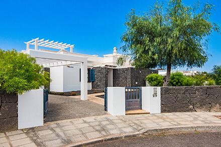 Villas susaeta en lanzarote portada - Villas en lanzarote con piscina privada ...
